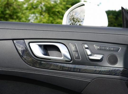 התקנה ותיקון מרימי שמשות לכל סוגי הרכבים